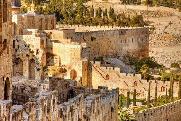 Jerusalem-_-old-city-walls-_-noam-chen_imot
